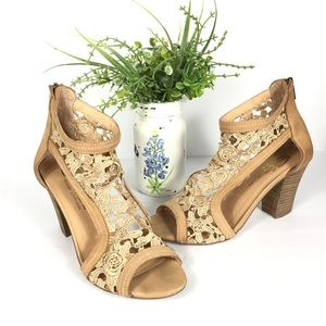 Sbicca leather & lace wood block heels